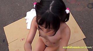 Petite Teen Deep Hanged And Creampie On Facecam