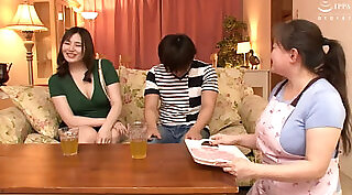 Angry mommy gets wanked her husband by a man who paid her a good sum