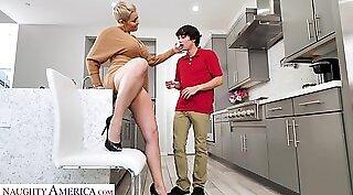 Ass Weird Housewife From Onerkut